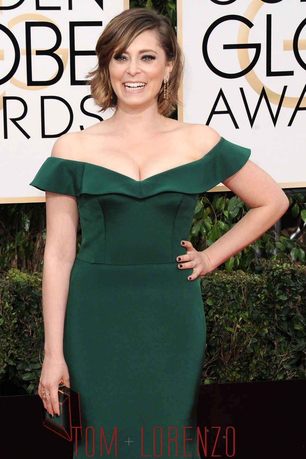 Rachel-Bloom-Golden-Globes-2016-Red-Carpet-Fashion-Christian-Siriano-Tom-Lorenzo-Site (1)