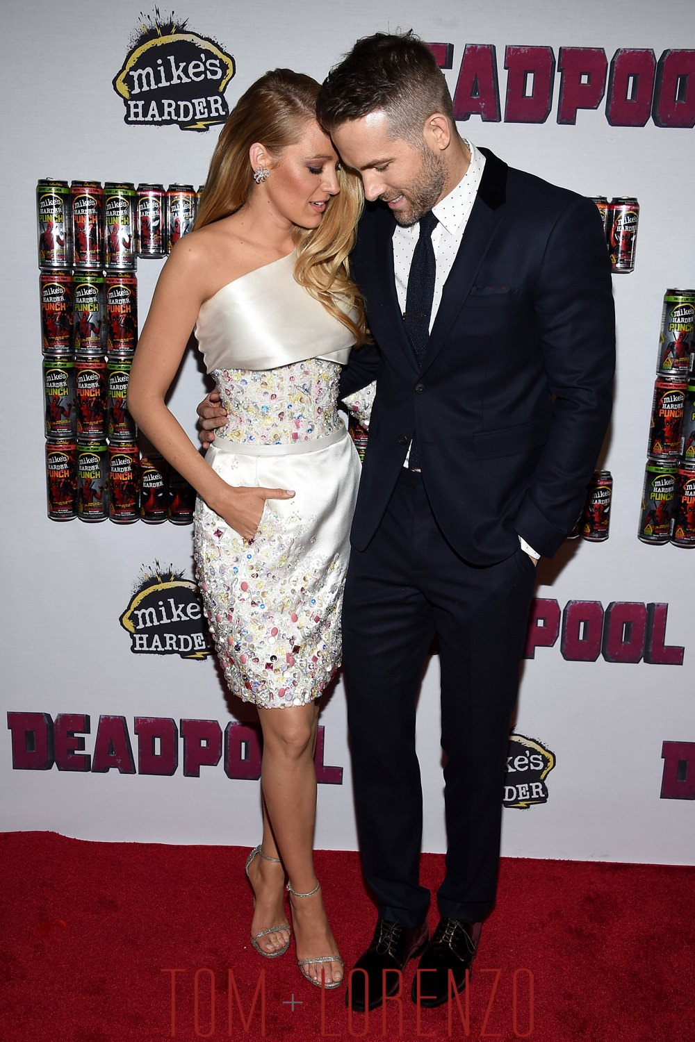 Blake-Lively-Ryan-Reynolds-Deadpool-NYC-Fan-Event-Fashion-Chanel-Couture-Tom-Lorenzo-Site (1)