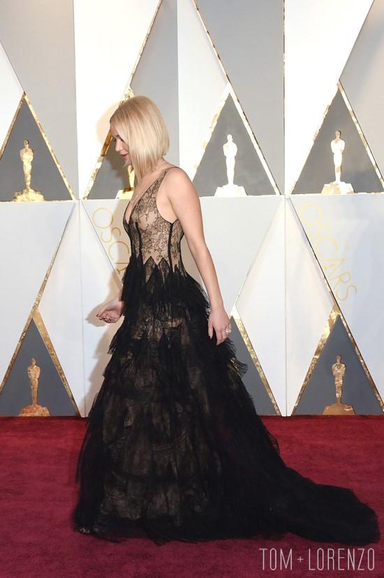Jennifer-Lawrence-Oscars-2016-Red-Carpet-Fashion-Christian-Dior-Couture-Tom-Lorenzo-Site-TLO (7)