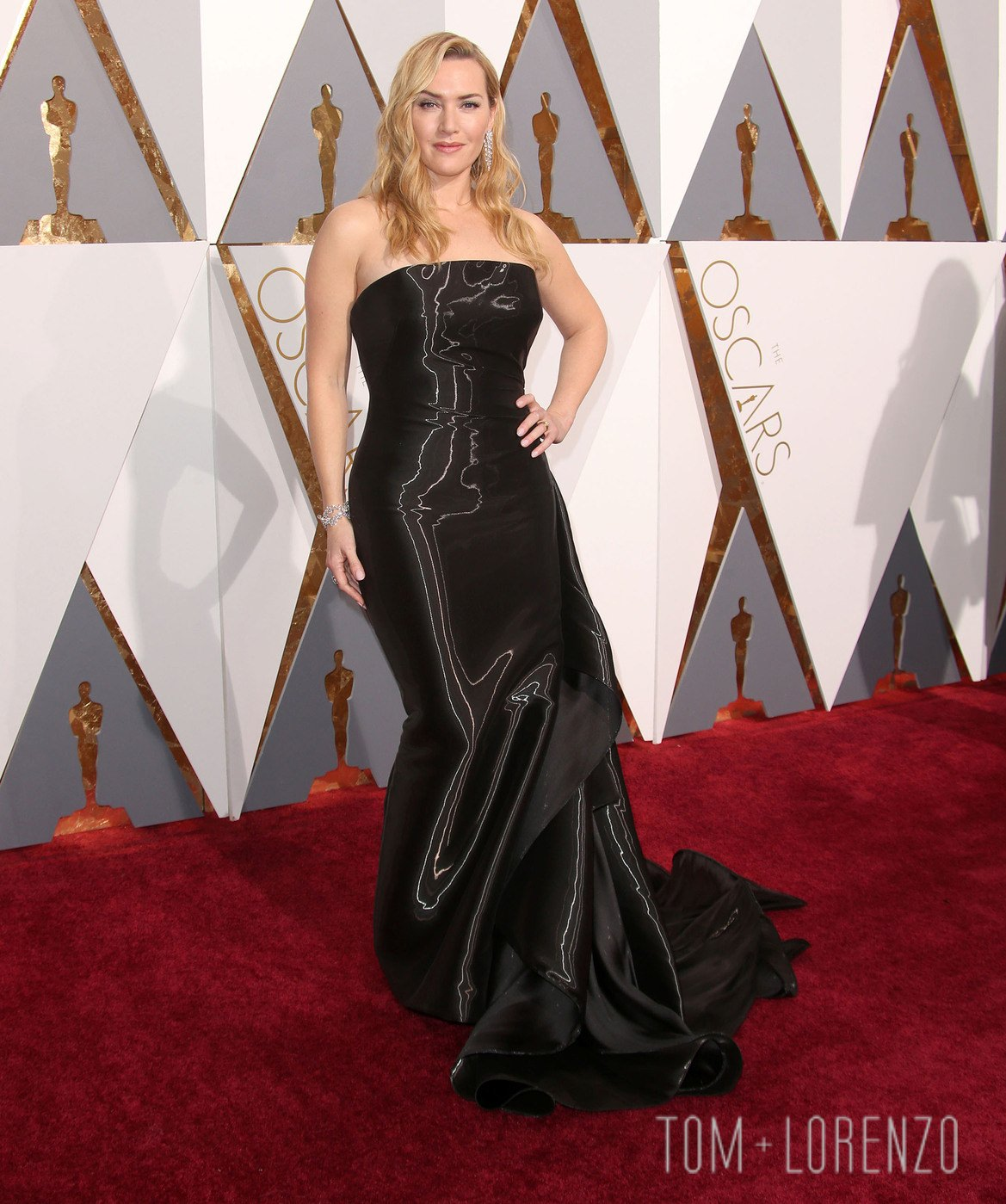 Kate-Winslet-Oscars-2016-Red-Carpet-Fashion-Ralph-Lauren-Collection-Tom-Lorenzo-Site (1)