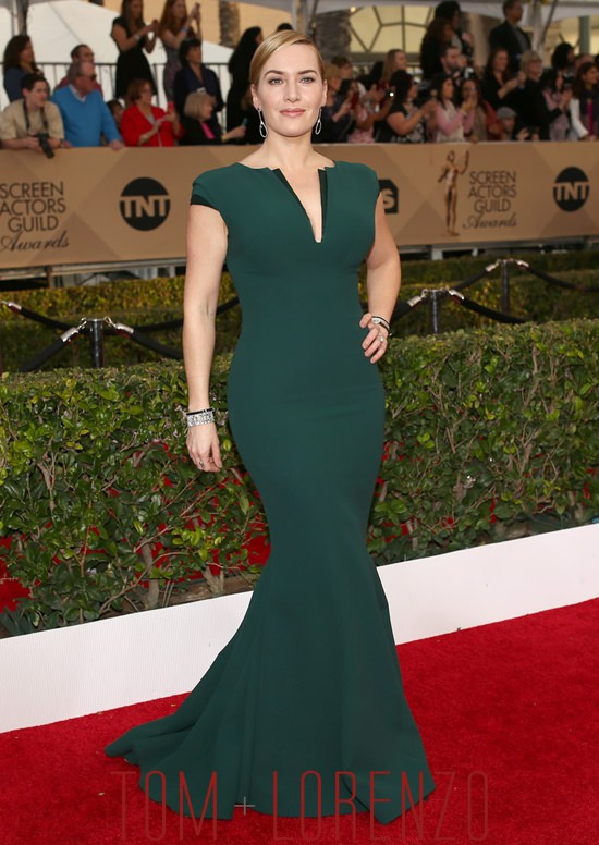 Kate-Winslet-Steve-Jobs-2016-SAG-Awards-Red-Carpet-Fashion-Giorgio-Armani-Tom-Lorenzo-Site (2)