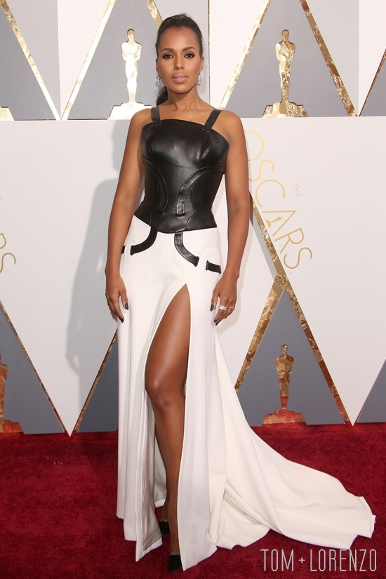 Kerry-Washington-Oscars-2016-Red-Carpet-Fashion-Atelier-Versace-Tom-Lorenzo-Site (2)