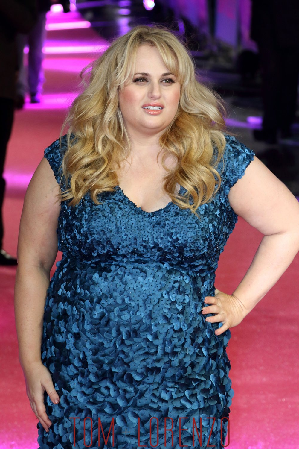 Rebel Wilson In Theia At The Quot How To Be Single Quot London