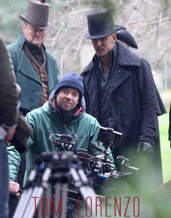 Tom-Hardy-BBC-Taboo-TV-Set-Tom-Lorenzo-Site (7)