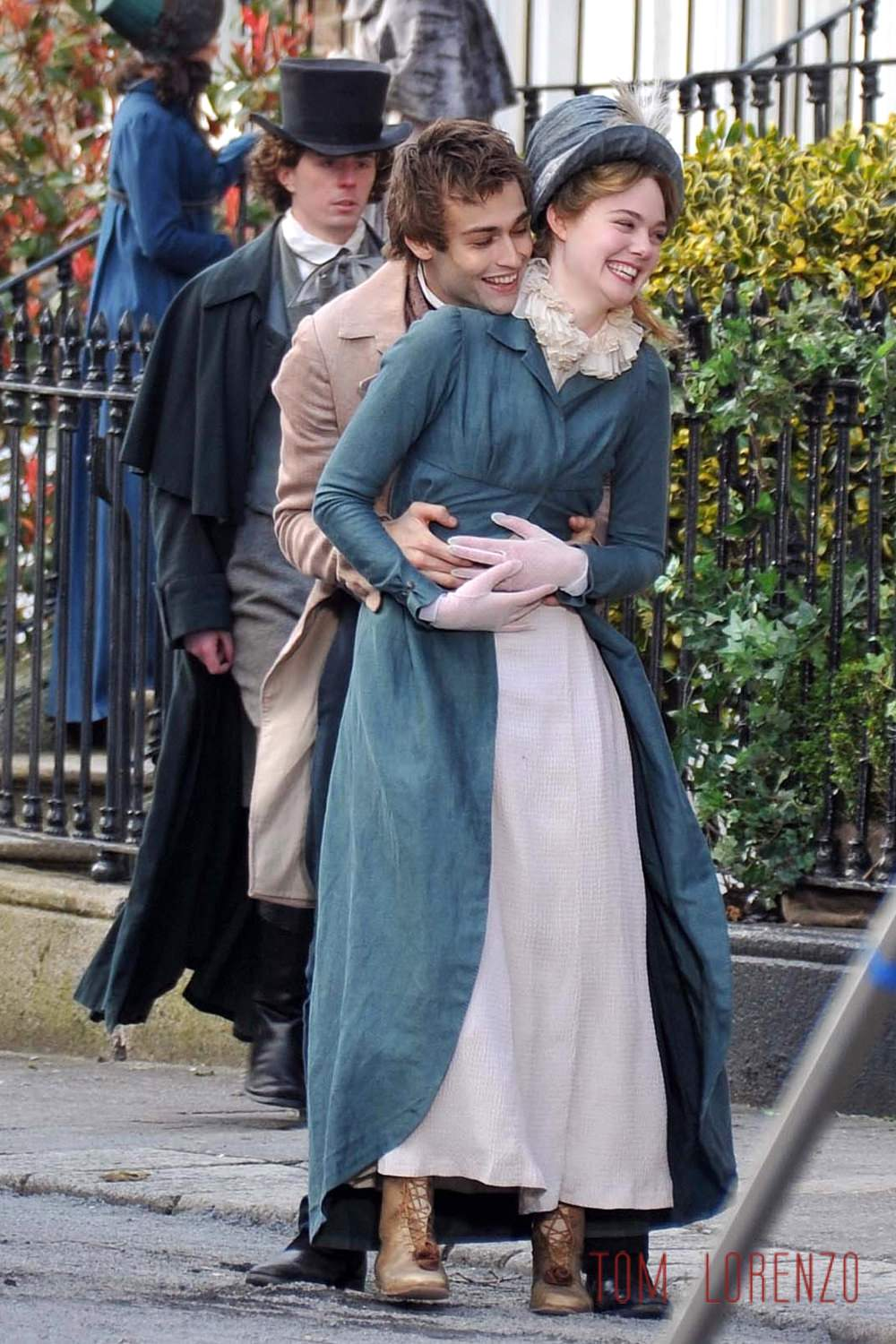 Douglas Booth And Elle Fanning On The Set Of -5259