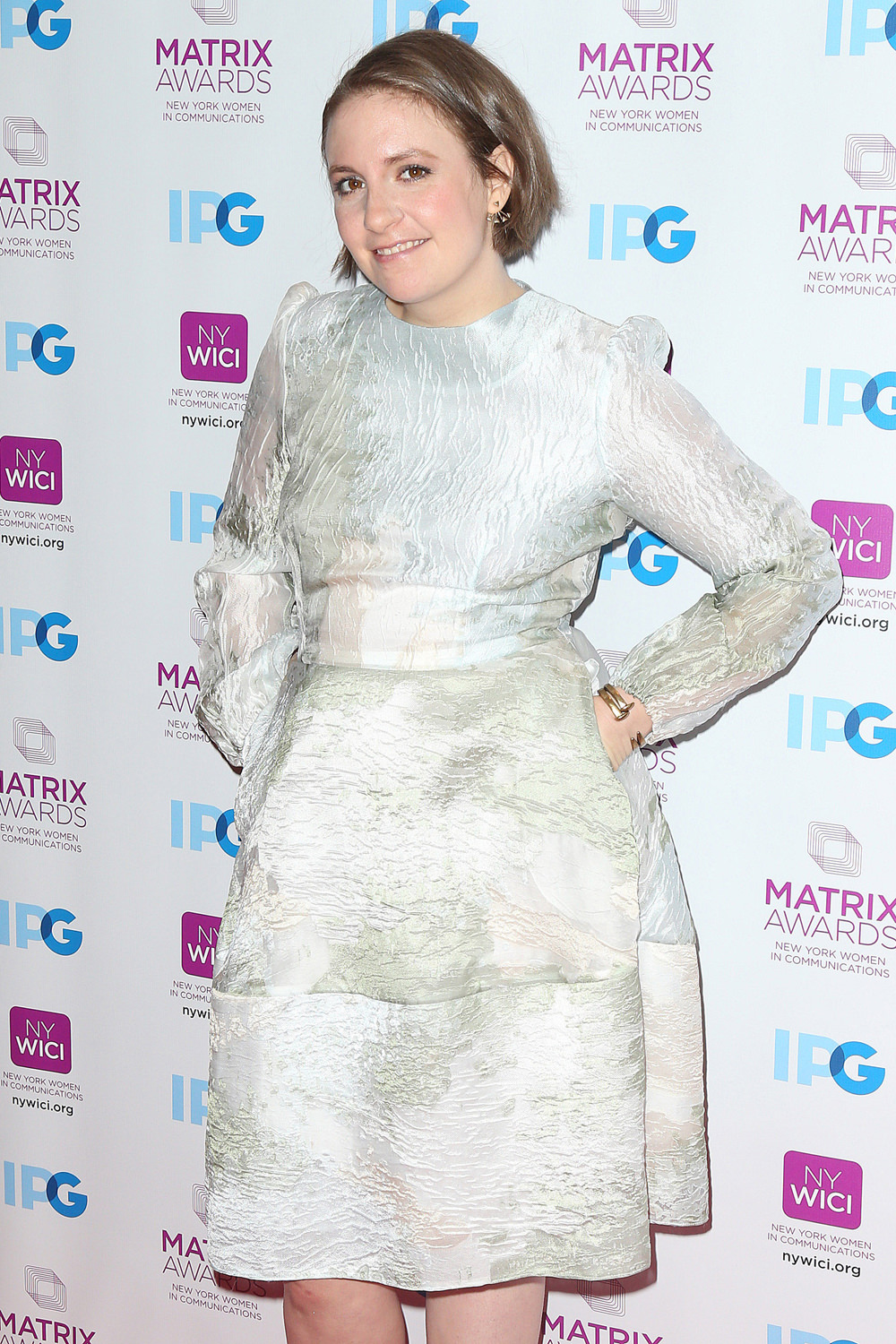 Lena-Dunham-2016-Matrix-Awards-Red-Carpet-Fashion-Tom-Lorenzo-Site (1)