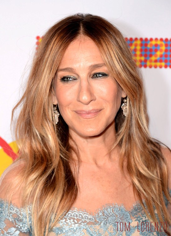 Sarah-Jessica-Parker-42nd-Street-25th-Anniversary-Gala-Red-Carpet-Fashion-Reem-Acra-Tom-Lorenzo-Site (3)