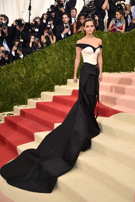 Emma-Watson-Met-Gala-2016-Red-Carpet-Fashion-Calvin-Klein-Tom-Lorenzo-Site (5)