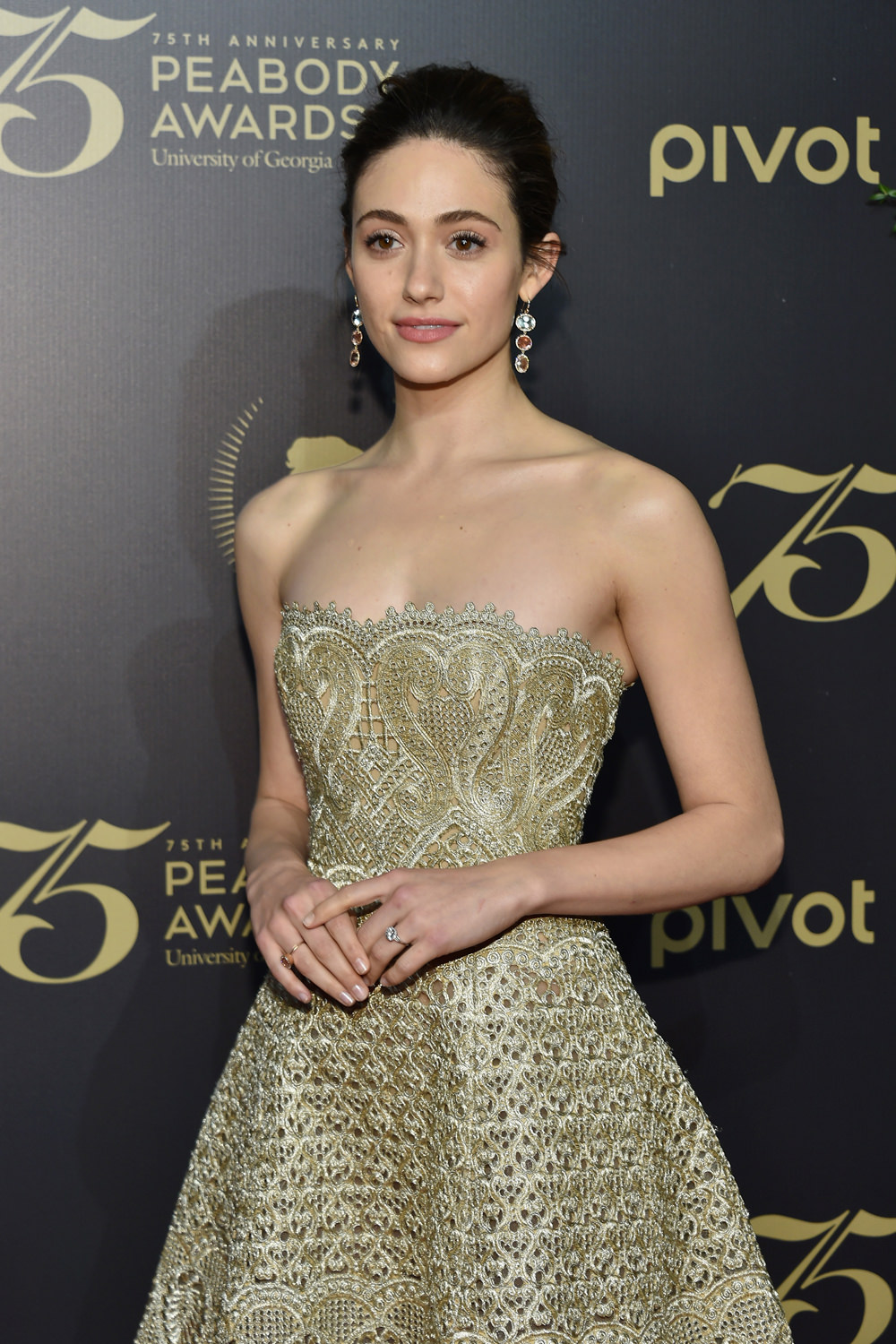Emmy-Rossum-2016-Peabody-Awards-Red-Carpet-Fashion-Marchesa-Tom-Lorenzo-Site (1)
