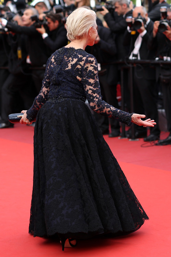 Helen-Mirren-Cannes-Film-Festival-Red-Carpet-Fashion-Bruce-Oldfield-Tom-Lorenzo-Site (12)