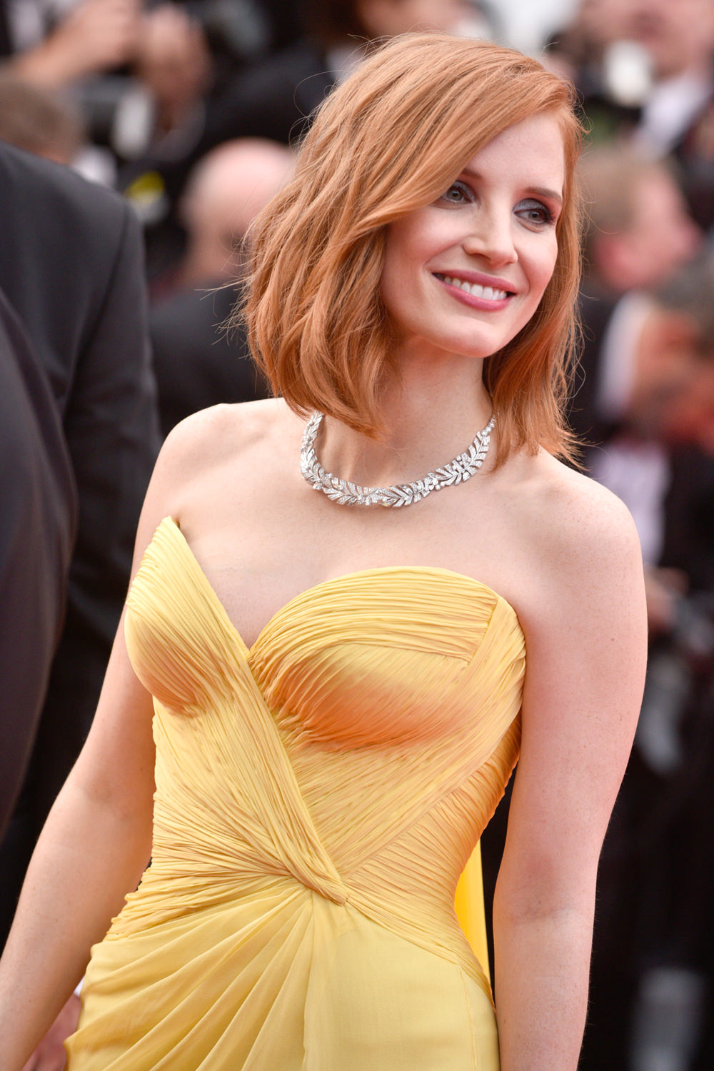 Jessica-Chastain-Cannes-Film-Festival-2016-Red-Carpet-Fashion-Armani-Prive-Tom-Lorenzo-Site (1)