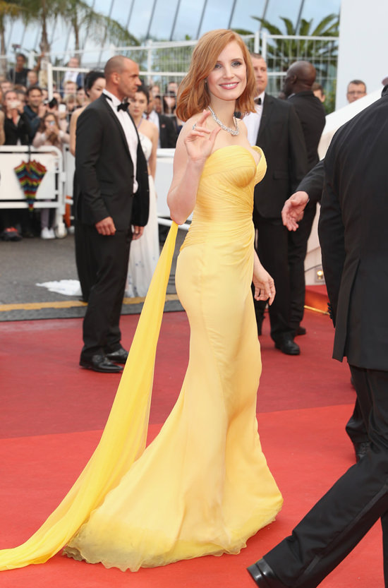 Jessica-Chastain-Cannes-Film-Festival-2016-Red-Carpet-Fashion-Armani-Prive-Tom-Lorenzo-Site (7)