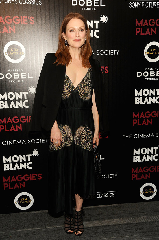 Julianne-Moore-Maggie's-Plan-Movie-Premiere-Red-Carpet-Fashion-Stella-McCartney-Tom-Lorenzo-Site (3)