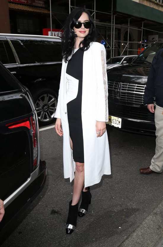 Krysten-Ritter-Today-Show-TV-Style-Red-Carpet-Fashion-Emanuel-Ungaro-Tom-Lorenzo-Site (4)