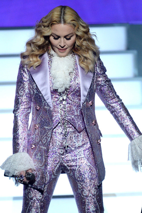 Madonna-2016-Billboard-Music-Awards-Fashion-Gucci-Tom-Lorenzo-Site (6)