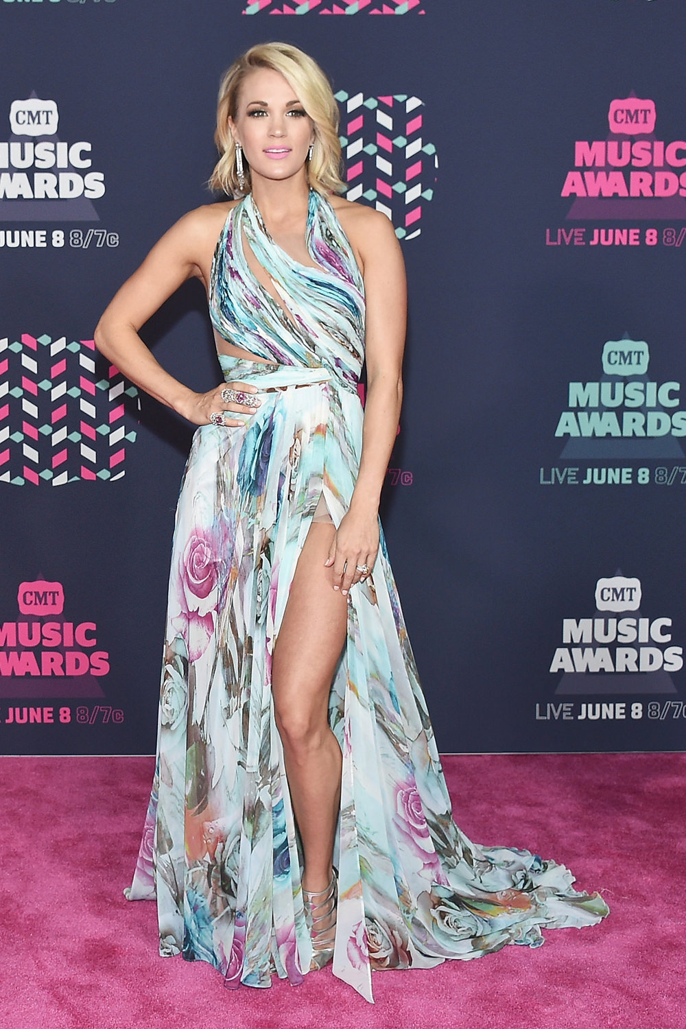 Carrie-Underwood-2016-CMT-Music-Awards-Red-Carpet-Fashion-Mikael-D-Tom-Lorenzo-Site (1)