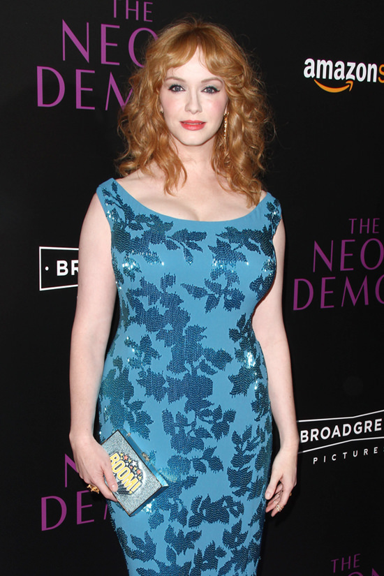 Christina-Hendricks-The-Neon-Demon-Los-Angeles-Movie-Premiere-Red-Carpet-Fashion-Jenny-Packham-Anya-Hindmarch-Tom-Lorenzo-Site (6)