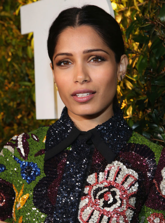 Freida-Pinto-Take-Two-2016-E3-Kickiff-Party-Red-Carpet-Fashion-Burberry-Prorsum-Tom-Lorenzo-Site (2)