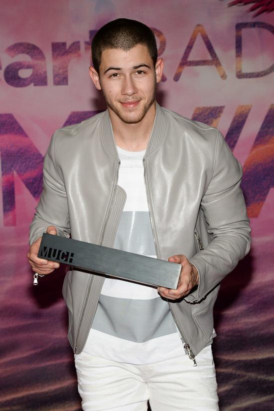 Nick-Jonas-Style-Triple-Shot-Fashion-Red-Carpet-MuchMusic-Video-Awards-Street-Style-Tom-Lorenzo-Site (6)