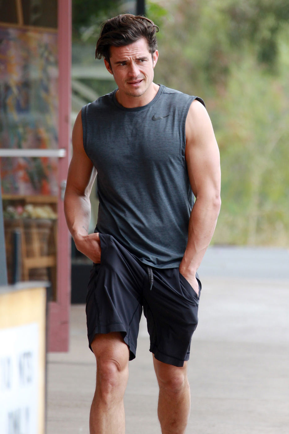 Orlando Bloom Does Some Heavy Lifting At The Gym Tom