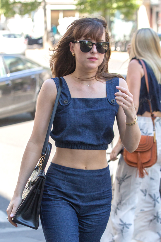 Dakota-Johnson-GOTS-Street-Style-Staud-Gucci-Tom-Lorenzo-Site (4)
