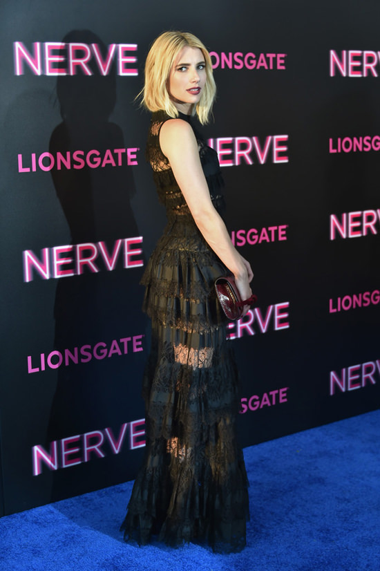 Dave-Franco-Emma-Roberts-Nerve-NY-Movie-Premiere-Red-Carpet-Fashion-Elie-Saab-Tom-Lorenzo-Site (5)