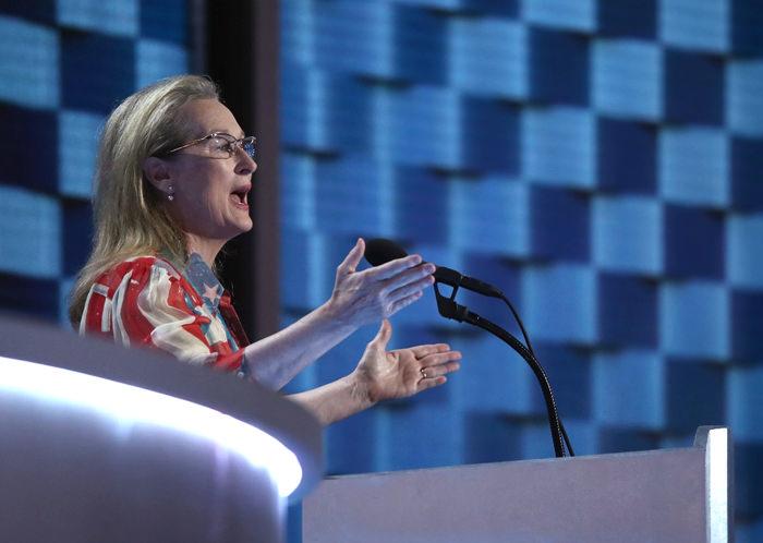 Elizabeth-Banks-Lena-Dunham-America-Ferrera-Meryl-Streep-Democratic-National-Convention-Tom-Lorenzo-Site (11)