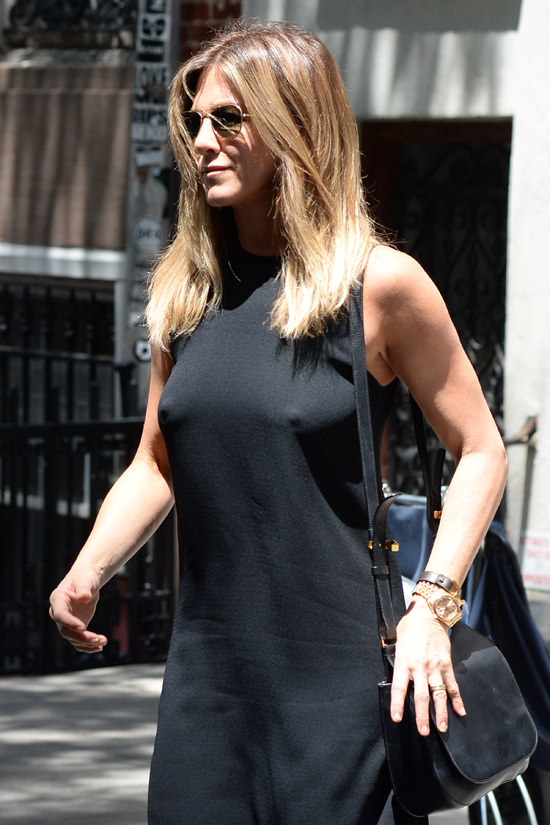 Jennifer Aniston Out And About In Nyc Tom Lorenzo