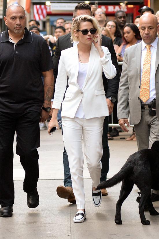 Kristen-Stewart-Good-Morning-America-TV-Style-Fashion-Tom-Lorenzo-Site (4)
