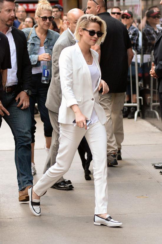 Kristen-Stewart-Good-Morning-America-TV-Style-Fashion-Tom-Lorenzo-Site (6)