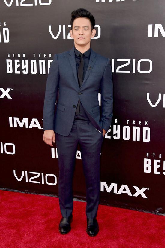 Star-Trek-Sand-Diego-Movie-Premiere-Red-Carpet-Fashion-Tom-Lorenzo-Site (4)