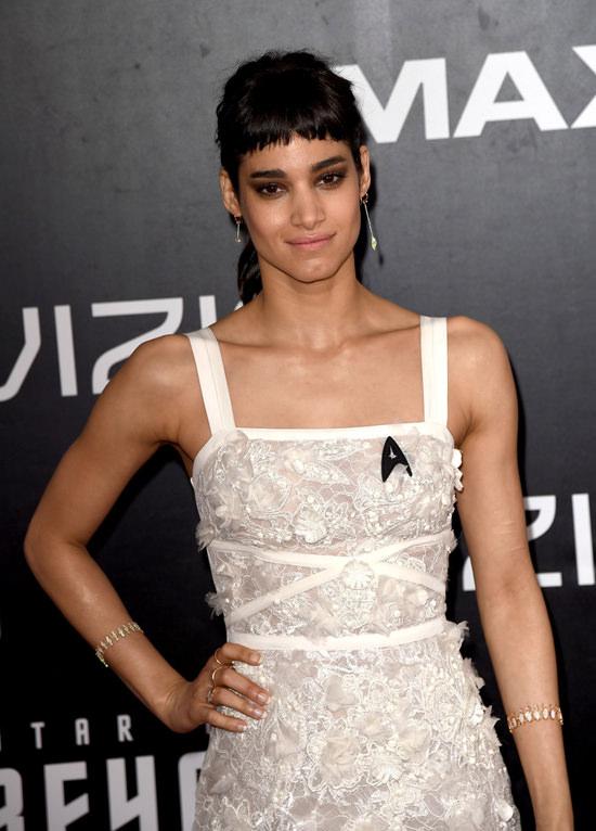 Star-Trek-Sand-Diego-Movie-Premiere-Red-Carpet-Fashion-Tom-Lorenzo-Site (9)