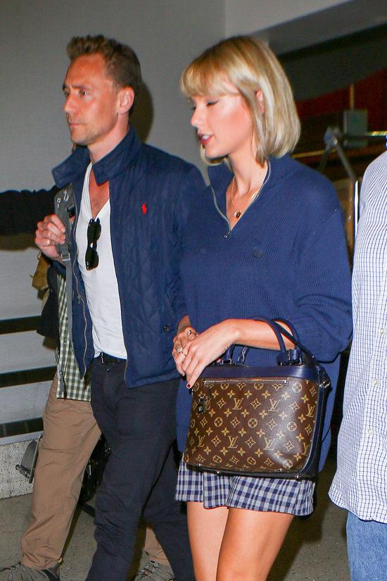 Taylor-Swift-Tom-Hiddleston-GOTS-LAXAU-Street-Style-Fashion-Tom-Lorenzo-Site (6)