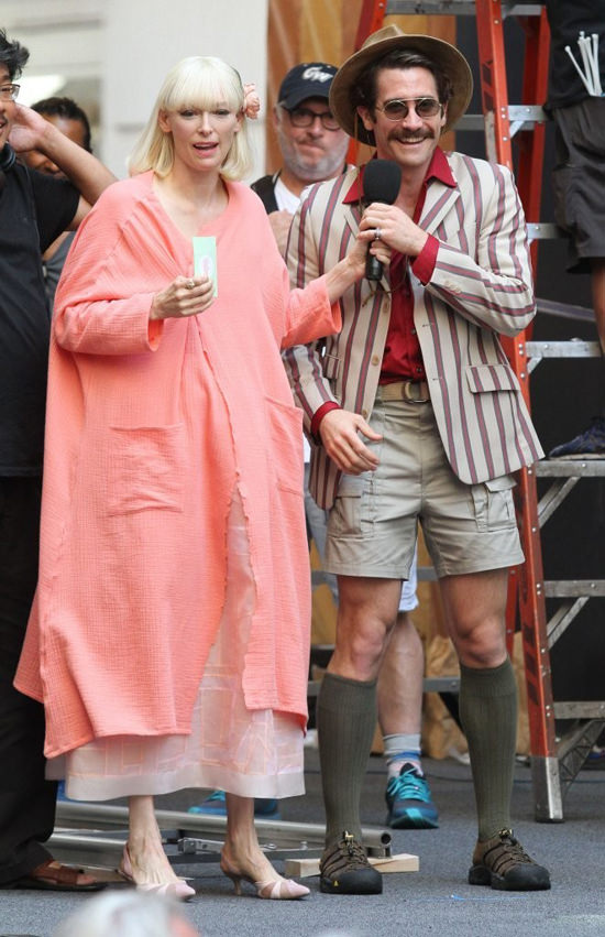Tilda-Swinton-Jake-Gyllenhaal-Movie-Set-Netflix-Okja-Tom-Lorenzo-Site (2)