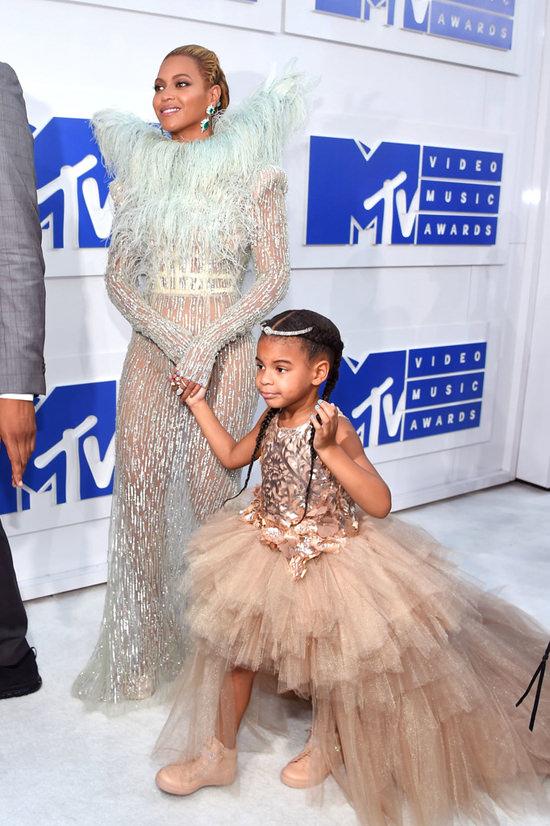 Beyonce-Knowles-2016-MTV-Video-Music-Awards-Red-Carpet-Fashion-Francesco-Scognamiglio-Tom-Lorenzo-Site (10)