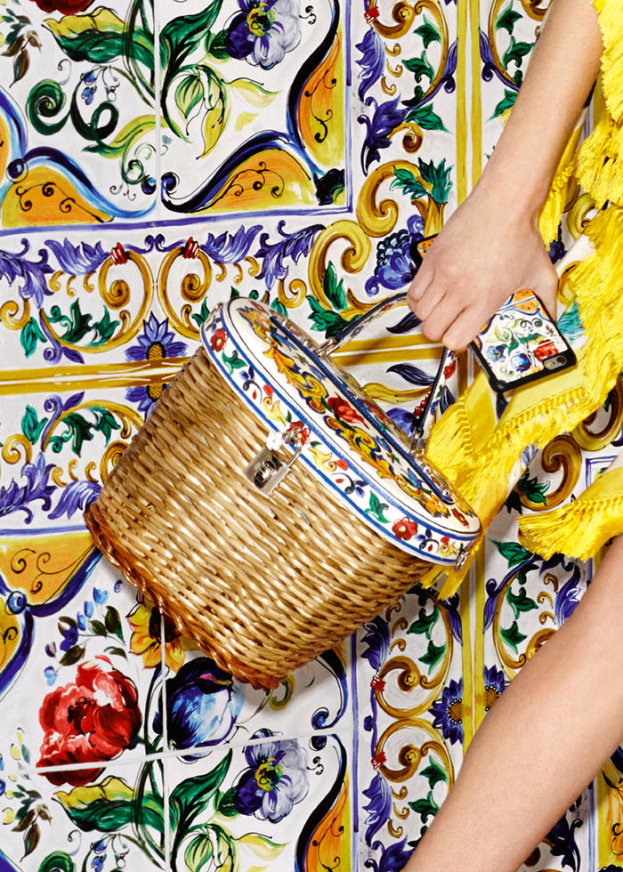 Dolce-Gabbana-Majolica-Accessories-Collection-Fashion-Bags-Shoes-Trends-Tom-Lorenzo-Site (7)
