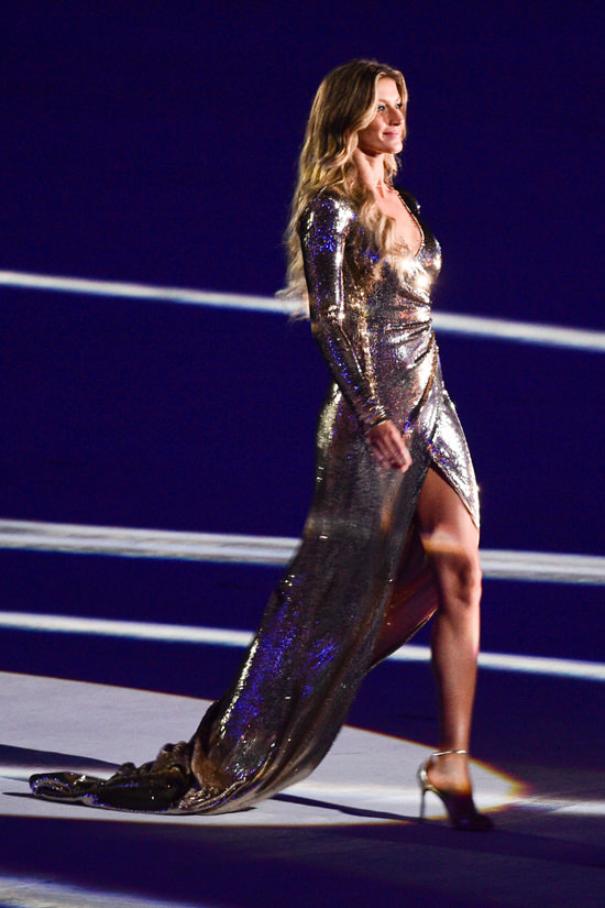 Gisele-Budchen-Rio-2016-Opening-Ceremony-Olympic-Games-Fashion-Alexandre-Herchcovitch-Tom-Lorenzo-Site (4)