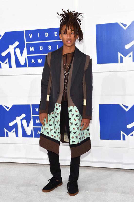 Jaden-Smith-2016-MTV-Video-Music-Awards-Red-Carpet-Fashion-Undercover-Tom-Lorenzo-Site (2)