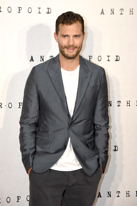 Jamie-Dornan-Anthropoid-UK-Prmeiere-Red-Carpet-Fashion-Tom-Lorenzo-Site (4)