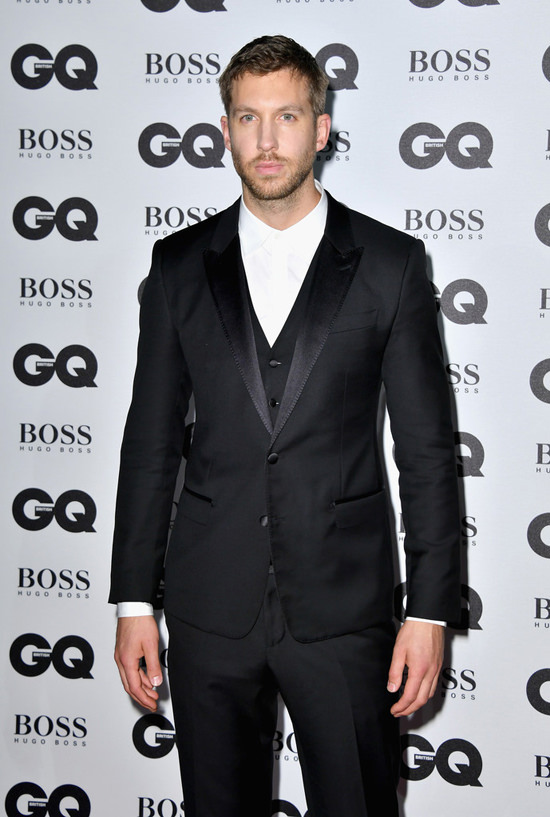 Calvin-Harris-GQ-Men-Year-Awards-2016-Red-Carpet-Fashion-Tom-Lorenzo-Site (4)