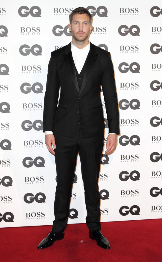 Calvin-Harris-GQ-Men-Year-Awards-2016-Red-Carpet-Fashion-Tom-Lorenzo-Site (6)