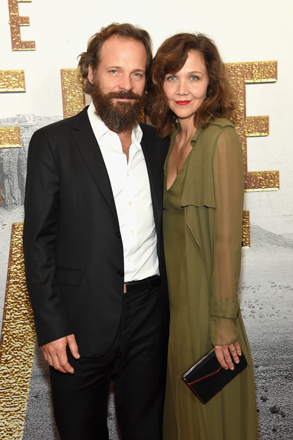 peter-sarsgaard-maggie-gyllenhaal-the-mganificent-seven-premiere-red-carpet-fashion-sally-lapointe-tom-lorenzo-site-1