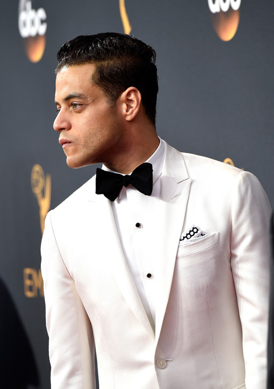 rami-malek-2016-emmy-awards-red-carpet-fashion-dior-homme-tom-lorenzo-site-3