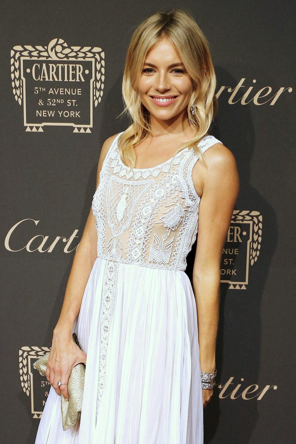 Sienna-Miller-Cartier-Fifth-Avenue-Grand-Reopening-Event-Red-Carpet-Fashion-Valentino-Tom-Lorenzo-Site (1)