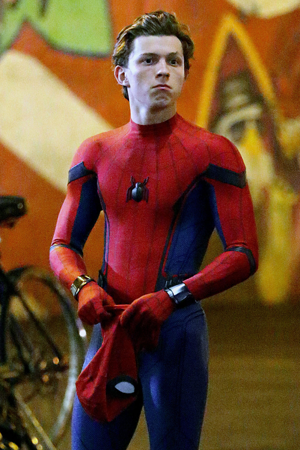 tom-holland-movie-set-spider-man-homecoming-costumes-tom-lorenzo-site-1