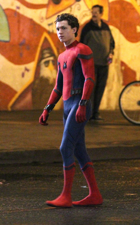 tom-holland-movie-set-spider-man-homecoming-costumes-tom-lorenzo-site-2