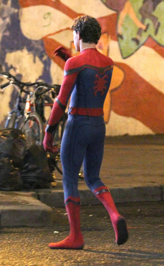 tom-holland-movie-set-spider-man-homecoming-costumes-tom-lorenzo-site-5