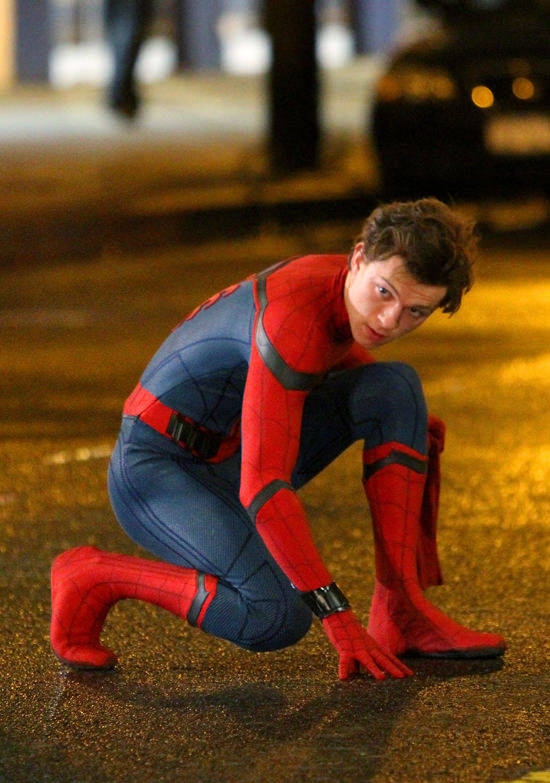 tom-holland-movie-set-spider-man-homecoming-costumes-tom-lorenzo-site-6