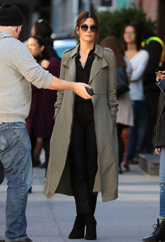 cate-blanchett-sandra-bullock-movie-set-oceans-eight-costumes-tom-lorenzo-site-10