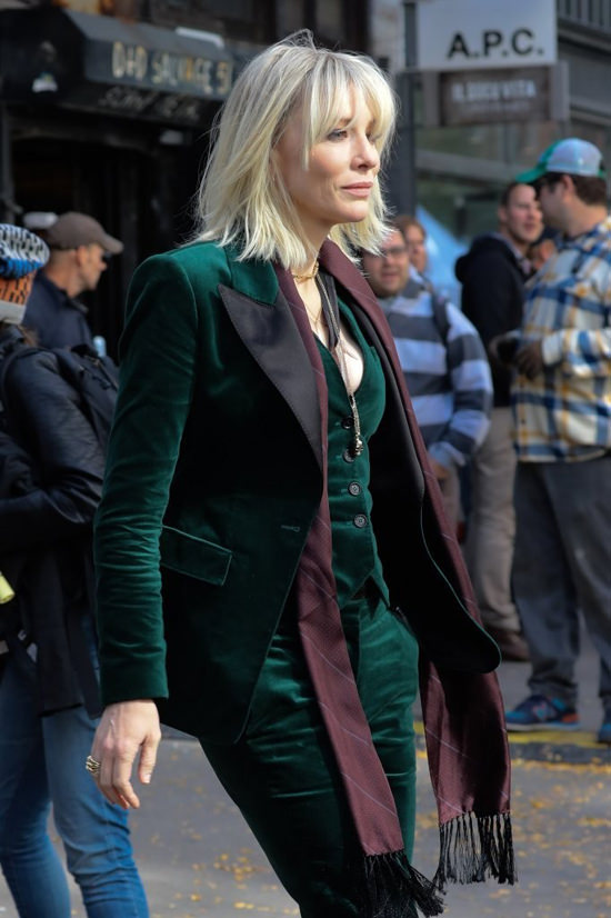 cate-blanchett-sandra-bullock-movie-set-oceans-eight-costumes-tom-lorenzo-site-6